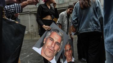 Uanset om Epstein var centrum i en stor konspiration eller ej, viser sagen, at mennesker som ham kan få aftaler i retssystemet, som mennesker uden millioner og forbindelser aldrig vil komme i nærheden af.
