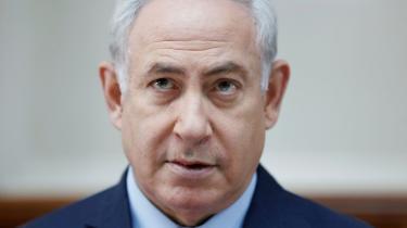 Israel optrapper militært over for Iran, samtidig med at USA nedtrapper. Hvad dette skyldes, skriver Lasse Ellergaard om i denne leder. På billedet ser vi Israels premiereminister, Benjamin Netanyahu.