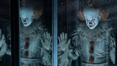 Pennywise (Bill Skarsgård), dræberklovnen fra Helvede, er tilbage for fuld kraft i 'It del 2'.
