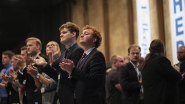 Til trods for valgnederlaget trådte Dansk Folkepartis formand Kristian Thulesen Dahl op på scenen til et stort bifald fra de fremmødte til DF's landsmøde i Herning.