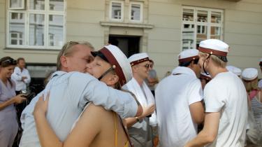 'Krigsfotografen' følger Jan Grarup i København – blandt andet da hans datter bliver student.