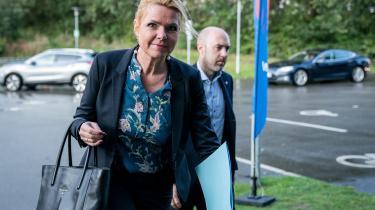 En intern mailkorrespondance fra Udlændingestyrelsen rejser endnu engang spørgsmål om forhenværende udlændinge- og integrationsminister Inger Støjbergs forklaring i sagen om den ulovlige adskillelse af asylpar