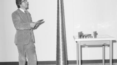 Neutrinohornet (t.v.) er et instrument til indfangning og granskning af den såkaldte neutrinopartikel – også kaldet spøgelsespartiklen – som spiller en fundamental rolle i Lea Porsagers aktuelle udstilling. Hun fandt hornet på et kunsterophold på CERN i Schweiz.