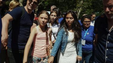 Xiye Bastida (t.h.) og Greta Thunberg vil sammen med Alexandria Villasenor (i midten) fredag i New York gå i spidsen for de unges globale klimastrejke. Der er planlagt 2.500 klimastrejker og marcher i 150 lande. I New York har borgmesteren erklæret fredag skolefri. Over en million elever i grundskoler og gymnasier har mulighed for at deltage i protestmarchen.