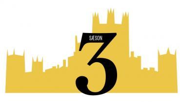 I denne uge har den hyldede britiske tv-serie, periodedramaet 'Downton Abbey', spillefilmspremiere. Information guider hver dag igennem en af tv-seriens seks sæsoner med faste nedslagspunkter, så ingen behøver være i tvivl om, hvad der har truet idyllen, eller hvem det nu er, der er døde, blevet forelskede, forladt eller narret