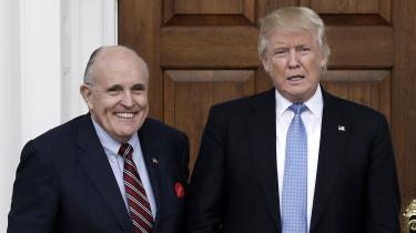 Det er på nuværende tidspunkt uklart, hvorvidt efterretningsudvalget også planlægger at indkalde Rudy Giuliani. Han har virket som Trumps uofficielle repræsentant i det vedvarende pres, præsidenten har lagt på Ukraines forhenværende og nye præsident og regering