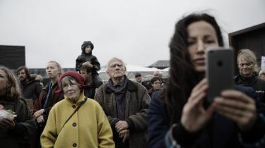 Ingeborg Westenholz ogSven Nybo Rasmussen deltog fredag i klimademonstration på Ofelia Plads i København: »Vi skal gøre politikerne opmærksomme på, at der skal handling til. Der sker ikke så meget – de har jo ikke lavet en klimalov endnu,« sagde Sven Nybo Rasmussen.