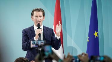 »Kurz personificerer en ny slags politik i Europa, og intet tyder på, at den – eller at Kurz selv – er på vej væk lige foreløbigt,« skriver Christian Bennike i denne leder.