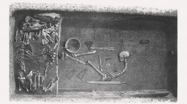 Tegning af krigergraven i Birka fra 1889. Arkæologer blev overraskede i 2017, da DNA-prøver slog fast, at det var en kvinde, der lå i graven.