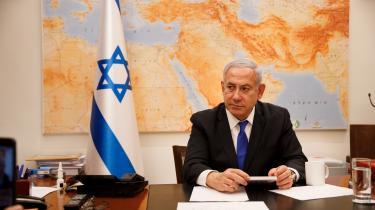 I oktober bliver det besluttet, om Benjamin Netanyahu skal tiltales for magtmisbrug, korruption, mandatsvig og bestikkelse i tre sagskomplekser.
