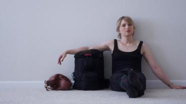 'XY Chelsea' tegner et nuanceret portræt af et søgende menneske, whistlebloweren Chelsea Manning.