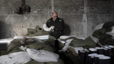 Kund Egegaard er medlem af Reersøs lokale beredskab, som har købt sandsække for at beskytte byen mod oversvømmelser.