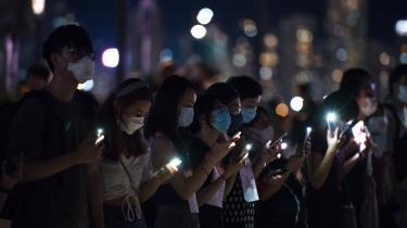 Onsdag i sidste uge fjernede Apple appen HKmap.live fra sin appstore efter klager fra Hongkongs myndigheder over, at demonstranterne kunne bruge den til at angribe politiet. Kort forinden havde Apple også fjernet nyhedsmediet Quartz' app efter klager fra Kinas regering.