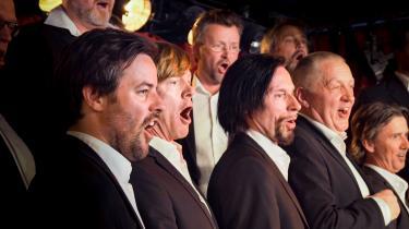 Den norske dokumentarfilm 'Mandskoret' er et sjovt og rørende møde med et heftigt og begejstret mandskor fra Oslo.