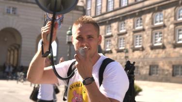 I serien følger vi Henrik Vindfeldts arbejde med at gøre Veganerpartiet opstillingsparat. Undervejs i processen bliver han ikke blot radikaliseret. Han bliver også ulykkelig og isoleret.
