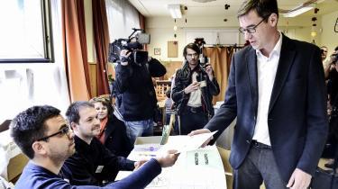 Gergely Karacsony fra Ungarns grønne parti, Dialog for Ungarn, afgiver sin stemme i Budapest den 13. oktober i år. Karacsony vandt posten som borgmester i Budapest, og dermed sluttede ni år med en Fidesz-støttet borgmester ved magten.