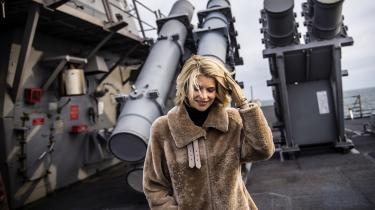Den amerikanske ambassadøri Danmark, Carla Sands, retteri dagens kronik i Information en skarp kritik mod Danmark for ikke at investere nok i forsvaret.