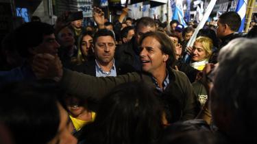 Luis Lacalle Pou fra Nationalistpartiet står til mellem 22 og 26 procent ved valget i Uruguay på søndag. Den aftagende vækst og øgede kriminalitet i landet sender vælgerne mod højre.