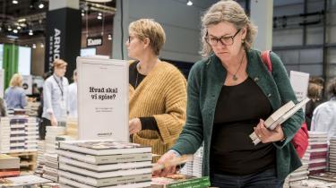 Den økonomiske støtte til de skabende kunstnere skal fordobles, mener forfatter Peter Adolphsen. På den måde kan kunstnere få ro til at skabe kvalitet, og det vil ikke kun være til gavn for de enkelte kunstnere, der kan skabe successer inden for deres felt, det vil også være til gavn for forlag, distributører, boghandlere – og i sidste ende samfundet, der vil modtage skattepenge.