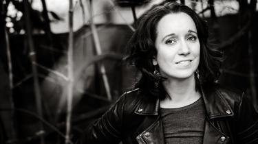 I denne uge har Information spurgt forfatter Maja Lucas, romanaktuel med 'Gennem natten og vinden', om hendes læsevaner. Hun finder ro i læsning – selv hvis hun må nøjes med en varedeklaration ved morgenbordet