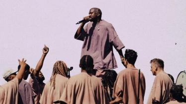 Det kan være ulideligt at lytte til de kristne tekster på Kanye Wests nye album 'Jesus Is King', men for pokker, hvor er det rent musikalsk en nydelse. Passioneret og intenst. Smukt og idiosynkratisk. Og så reformerer stjernen også sit syn på slaveri
