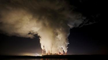 Kraftværket i Belohatow i Polen er et af Europas største kulkraftværker. Polen producerer 80 procent af sin strøm med billig og stærkt CO2-forurenende kulkraft.