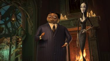 Gomez og Morticia Addams må kæmpe mod intolerance og mangel på forståelse i den animerede 'Familien Addams'.