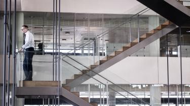 Vidne forklarer, at han fik oprettet erhvervskonti i Nykredit til mere end 15 formodede svindelselskaber. Det rejser ifølge eksperter tvivl om, hvorvidt banken har overholdt hvidvasklovgivningen. Her er det koncernchef Michael Rasmussen i bankens hovedkontor i København.