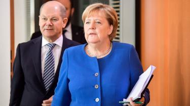 På trods af den truende kannibalisering i partitoppen har Merkel forholdt sig totalt tavs om både partikampen og resultatet i Thüringen.