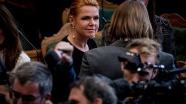 Den 10. februar 2016 udsendte Udlændinge-, Integrations- og Boligministeriet en instruks, der havde form som en pressemeddelelse. Her gav Inger Støjberg (V) besked om, at fremover måtte »ingen« asylpar, hvor den ene eller begge er mindreårig, indkvarteres sammen.