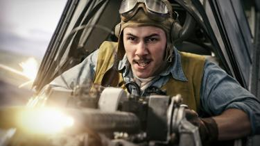 Krig er ogsåhelvede i Roland Emmerichs 'Midway', men det er et flot helvede, hvor man kan opnå heltestatus. Foto: Lionsgate/UIP