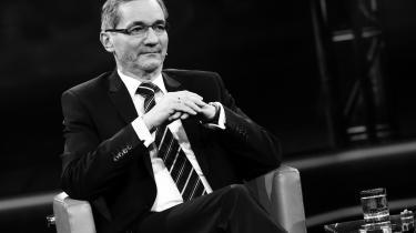 Matthias Platzeck, der er tidligere ministerpræsident i Brandenburg og kendt som 'østtyskernes stemme', er kritisk over for den genforeningskontrakt, derblev indgået efter Murens fald. Han mener, at den »dårlige stemning« i Østtyskland i dag er en af følgerne.