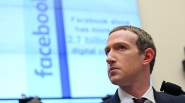 Jeg mener ikke, at private virksomheder skal censurere politiske annoncer eller nyheder, forklarer Facebookchefen, Mark Zuckerberg, og markerer hermed sin uenighed med Twitter.