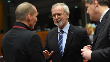 »Klimaet er vor tids vigtigste politiske dagsordenpunkt,« sagde EIB's præsident Werner Hoyer efter bankens møde forleden, hvor de 28 EU-lande i bankens styrelse vedtog, at det med udgangen af 2021 er slut for EIB at lånefinansiere fossile energiprojekter.