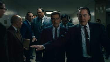 Frank Sheeran (t.h., Robert De Niro) baner vejen for den magtfulde fagforeningsboss, Jimmy Hoffa (Al Pacino),i Martin Scorseses nye film, 'The Irishman'.