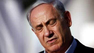 Blandt israelerne er debatten om bosættelserne stedse mere irrelevant, eftersom de bliver betragtet som normaliteten. For en tid blev Iran malet op som eksistentiel trussel, og nu og da er der ballade med Gaza, men alt i alt er det dominerede tema i israelsk politik blevet et personligt anliggende: Benjamin Netanyahu.