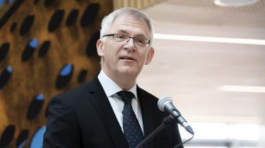 Det er åbenlyst fejt, at Brian Bech Nielsenikke vil lade offentligheden få indblik i den øverste ledelses syn på en undersøgelse, der er så vigtigt for universitetets troværdighed, skriver Anton Geist.