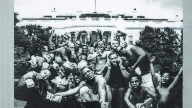 De fem dommere mener alle, at de kæmper i musikkens bedste interesse. Men ingen, heller ikke professionelle, kan sige sig fri for flere forskellige former for kommercielt, biologisk eller nostalgisk forurening af deres dømmekraft, som giver værket en merværdi, der ikke har noget med musikken på for eksempel Kendrick Lamars 'To Pimp a Butterfly' at gøre.