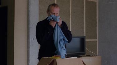 Den pensionerede politimand Ingimundur (Ingvar Eggert Sigurdsson), der har mistet sin kone i et biluheld, vil ikke tale om det i Hlynur Pálmasons nye film, 'En hvid, hvid nat'.