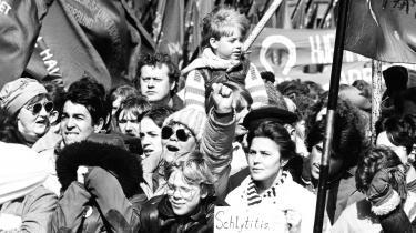 Storstrejkerne og de store forbedringer kom ikke ud af den blå luft. For eksempel var baggrunden for påskestrejkerne i 1985 kravet om 35-timersarbejdsuge, som blandt andet var båret frem af store metalarbejdspladser som det hedengangne B&W, lyder det i dagens kronik.