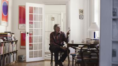 Schnacks indlæg er vagt, uden eksempler og derfor upræcist, og det er en skam. For han har ret i, at det for mange forfattere er et salgsvilkår, at de gør sig selv og deres private liv til genstand for præsentationen af deres værker. Men er det en retning i litteraturen? Nej, lyder det fra forfatterSiri Ranva Hjelm Jacobsen.