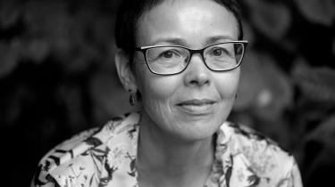 Anita Furu har et skarpt blik for ambivalente følelser, gode sætninger og som altid overbevisende persontegninger, som er tro mod den måde, de blev fremstillet på i den forrige roman.