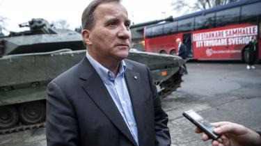 Stefan Löfvens (S) svenske mindretalsregering er kommet i alvorlige problemer.Den konkrete sag handler om privatisering af Arbejdsformidlingen. Det er en af de indrømmelser, Socialdemokraterna og Miljöpartiet måtte give de liberale partier Centerpartiet og Liberalerna i forbindelse med den såkaldte januaraftale.