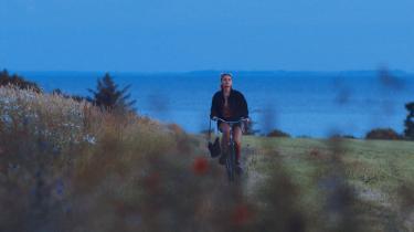 At 'Doggystyle' er optaget i Odsherred, handler ikke om at portrættere Odsherred og dens ungdom. Det handler om at have gået på brostenene i Nykøbing Sjællands gader. At kende til følelsen af græs og jord under fødderne og Kattegats uendelige horisont, skriver Marie Limkilde.