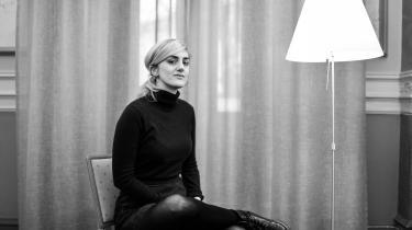 Matilda Gustavssonsbog Klubben er ikke en svælgen i Jean-Claude Arnault som bæst, men en skarp analyse af et kunstnerisk miljø omkring Forum i Stockholm, som helt sikkert har sine specifikke kendetegn, men som nok også har en del til fælles med andre kunstneriske miljøer rundt omkring i verden.
