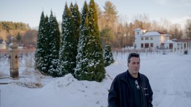 Al Fulchino er en meget aktiv republikansk vælger. Han ejer en vingård i den sydlige del af New Hampshire, og den tjener ofte som forsamlingssted for politisk aktive republikanere på egnen. Inden præsidentvalget i 2016 stillede han også lokaler til rådighed for politiske møder organiseret af demokrater, men siden Trumps sejr har de holdt sig væk.