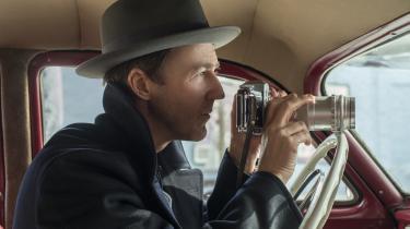 Edward Norton spiller privatdetektiven Lionel, der lider af Tourettes syndrom, i skuespillerens egen Jonathan Lethem-filmatisering,'Motherless Brooklyn'.