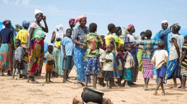 Omkring halvanden millioner mennesker i Burkina Faso har ifølge FN behov for humanitær assistance. Samtidig er 486.000 internt fordrevne. Det er en seksdobling alene i 2018, hvor omfanget af voldelige hændelser har slået rekord. På billede ses internt fordrevne i en lejr i Pissila