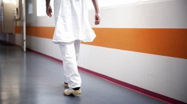 Ny undersøgelse fra Institut for Menneskerettigheder og Lægeforeningenviser, at 90 procent af de adspurgte praktiserende læger og 67 procent af de adspurgte hospitalslæger vurderer, at patienter i højere grad bruger deres pårørende til at oversætte, end før tolke-gebyret blev indført.