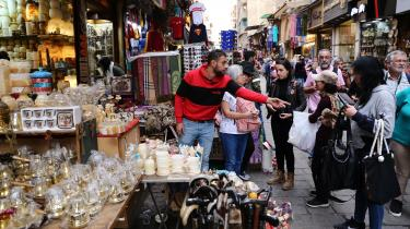 Marked i Kairo. Da Informations mellemøstkorrespondentankom til Egyptens hovedstadi slutningen af september, var han klar til atdykke ned i det egyptiske samfund igen efter længere tids fokus andre steder i regionen. Men da han begyndte at ringe rundt til kilder for at'catche-up', viste det sig, at de fleste ikke turde tale med hamaf frygt for Al-Sisis regime.